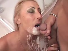 Granny gets cum on face after fuck