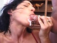 Mature fucks and catch cum w mouth